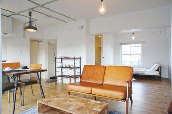 """築年数の経った物件の良いところを残し、住みやすい環境に整え直した""""リノベーション住宅""""。新築にはない独特の味わいがあることから、賃貸でもどんどん人気が高まっている種類の物件です。"""