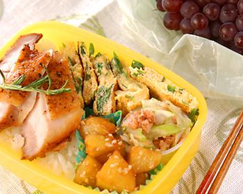 栄養満点、ニラと卵の黄金コンビはお弁当でも大活躍!コスパもいいですし、緑と黄色の彩りが入るだけで、お弁当の見映えがグッとアップします。
