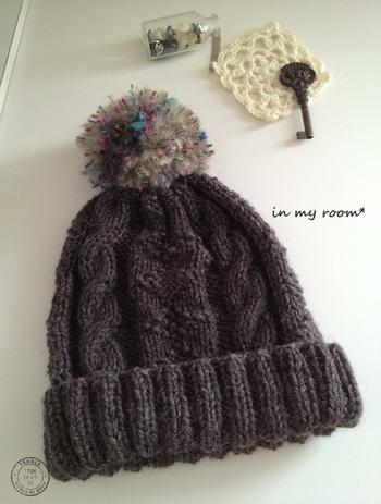 ファッションのアクセントになるニット帽。 毛糸の色を変えていくつも作りたくなりそうです。
