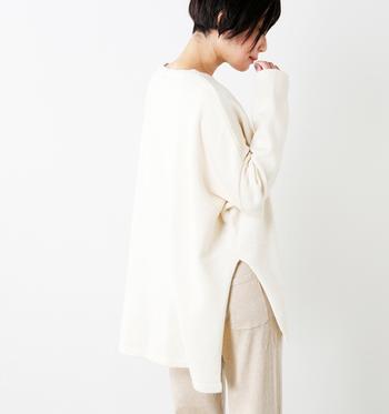 あえて大きめに作られていて、ゆったり着こなすことができるビッグシルエットの洋服。大人かわいいナチュラルスタイルには、欠かせないアイテムでもありますよね。