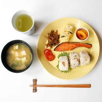 和風の朝食もティーマにのせれば小鉢に盛りつけるよりも、可愛らしく見えて、後片付けも簡単に。朝からしっかりバランスのいいごはんをいただいて、元気をチャージできそうです。
