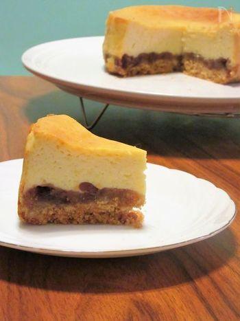 「チーズケーキ×あんこ」という和と洋の良さが上手にミックスされたケーキ。お店ではなかなか出会えない味わいかもしれません♪生クリームの代わりにヨーグルトを使っているところも体に優しいポイントです。