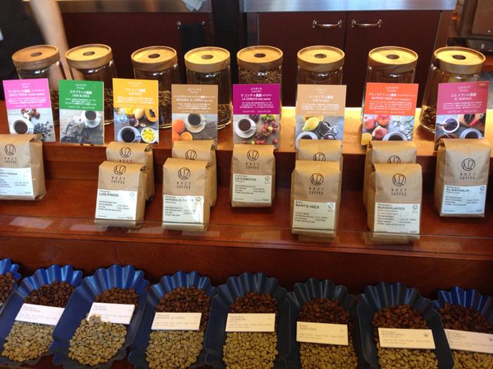 店内で販売している豆の種類も豊富。香りや味など、シングルオリジンの特徴を写真付きで説明しているので、イメージしながら選べますね。ぜひ自分のお気に入りを探してみてください。