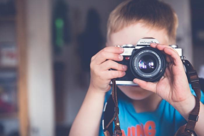 また、人生経験という点においては短いものの、新しい世代の子どもの行動は新しい世界を教えてくれるものでもあります。子どもは、変化の早い時代が「今」求めているものを教えてくれる「メンター」になり得ます。
