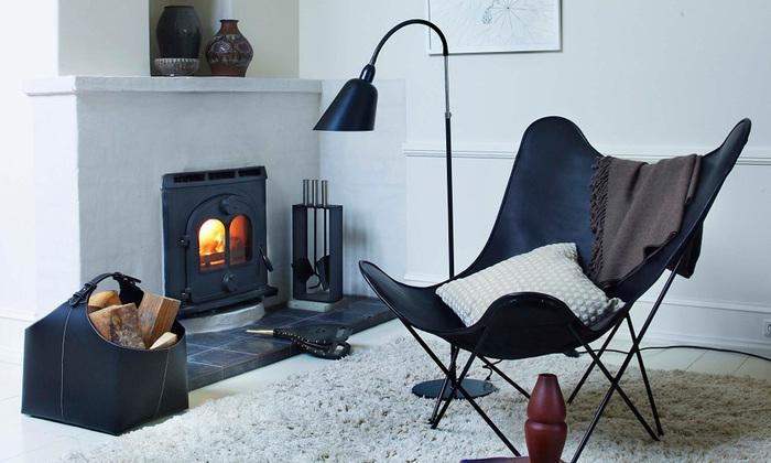 背の羽のようなかたちから、「バタフライチェア」の愛称で親しまれています。大きくてゆったりと腰掛けられる座り心地のいい椅子なので、上質なリラックタイムを過ごせそうです。