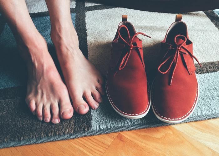 """同じメーカーでも靴はデザインによってはき心地が異なり、通販でぴったりとした靴を一発で選ぶのはなかなか難しいのが現状です。最近は返品交換が""""無料""""の靴専用通販サイ トもあるので、そういったネットショップを利用しましょう。"""