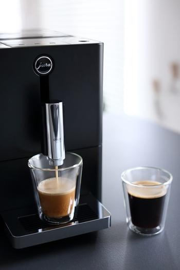 ハンドドリップで丁寧に淹れたコーヒーは格別です。ですが、それは休日の楽しみにするとして、普段はコーヒーメーカーを使いませんか?用事を済ませている間に、芳しい香りが漂ってきます。