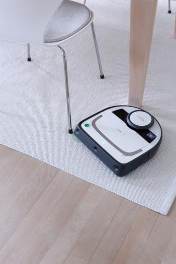 日中お出かけ中に床掃除が終わっていれば、帰宅しても気分が違いますよね。外出先で思い出したときに、スマホから操作できるお掃除ロボットも便利でしょう。