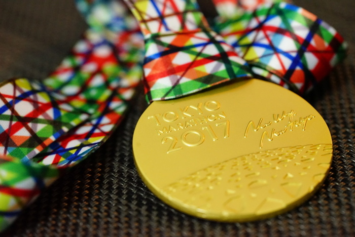 大会によっては、オリジナルタオルやTシャツ、完走メダルなどがもらえるのも楽しみの一つです。