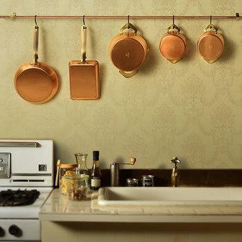 「ameiro」は銅で作られた鍋のシリーズ。キッチンに映える美しい色合いが特徴です。また銅の特性である優れた熱伝導で、どんな料理も美味しく仕上げてくれますよ。見た目も機能も優秀過ぎるお鍋「ameiro」でキッチンの達人を目指しませんか?