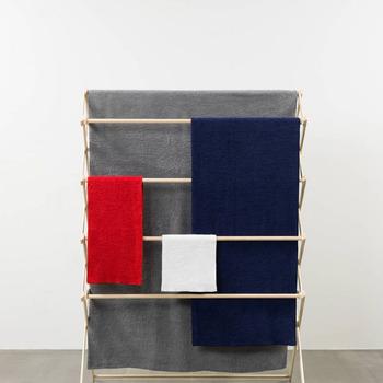 サイズも豊富で元気が出るカラーも印象的なリトルボッコのタオル。