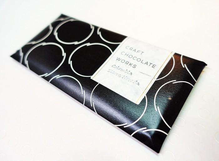 手間ひまかけたチョコレートだけに、贈りもの路線を意識して、どのファクトリーのパッケージもなかなかにオシャレ♪画像は「CRAFT CHOCOLATE WORKS」。