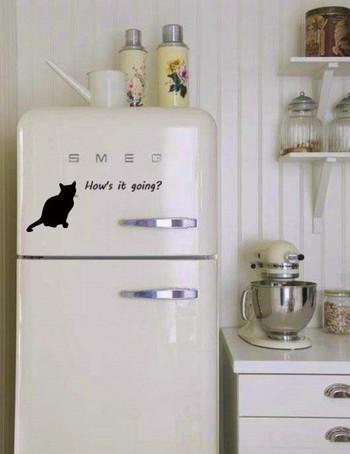冷蔵庫のリメイクは簡単なものから、かなりの時間とお金をかけたものまで様々。自分のライフスタイルに合わせて、素敵にアレンジしてみてください。