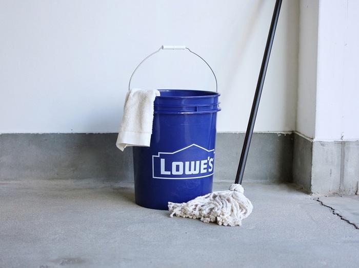 """いかがでしたか?オシャレで機能的な""""お掃除アイテムと収納グッズ""""があれば、大掃除もはかどりそうですよね。気になるアイテムと一緒に年末に向けてラストスパートを!!ぜひ清々しい気持ちで新しい一年をお迎えください。"""