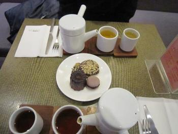 無農薬の茶葉で淹れた「小茶栽堂」のお茶は渋みがなく、茶葉本来の味が楽しめます。人気売れ筋は、桂花(キンモクセイ)のお茶とのことで、ほのかな香りとやさしい味わいが人気です。