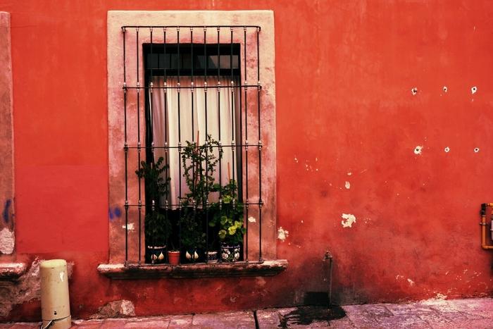 """お部屋を色でいっぱいに。""""メキシコ風""""インテリアや雑貨で、寒い冬をあったかく演出しませんか?"""