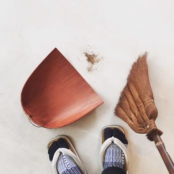 ■シュロの道具 シュロ製品だけでなんと40種類以上ものラインナップ。 型や大きさが豊富なので、用途に合わせて集めたくなります。 使い勝手が良く、丁寧に生産されるシュロ製品は丈夫で長持ち。 「掃除が楽しくなる!」という解説は一番胸に響きます。