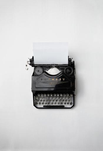 メールやLINEによってやり取りをし始めると、返信するのに思わぬ時間がかかっているものです。中途半端に止められないものは、支度が済んでから始めたほうが無難です。