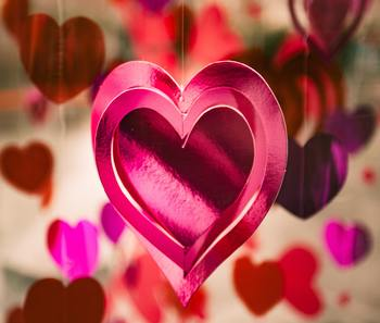 アノ人を想うと胸キュンが止まらない!?素敵な恋ソングで、バレンタインの準備を楽しみましょう♪