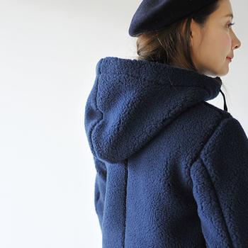 しっかり防寒してくれながら、ベレー帽などとの相性も良く冬のマリンスタイルも楽しめる。オススメの一着です。