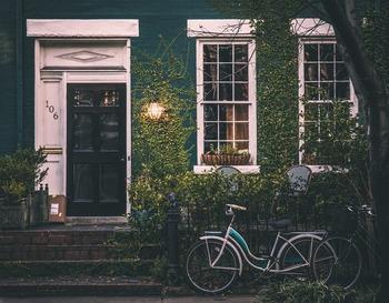 お洒落な自転車を置いておけば、まるで海外に来たような雰囲気に。