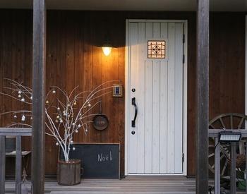いかがでしたか?何を置いていいか迷ってしまう玄関ポーチの外側と内側のインテリア、これらの実例は参考になったでしょうか。気に入ったアイデアがありましたら是非取り入れてみてくださいね。