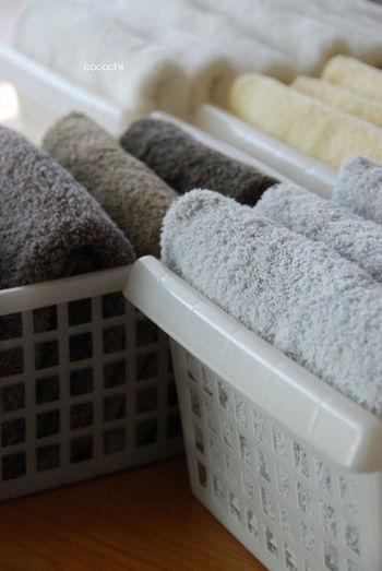 例えば、タオルは乾燥機のあるランドリールームに、見せるインテリアとして収納するのもいいですね。たたむ方向と色、大きさをそろえるだけでも全然違いますよ。
