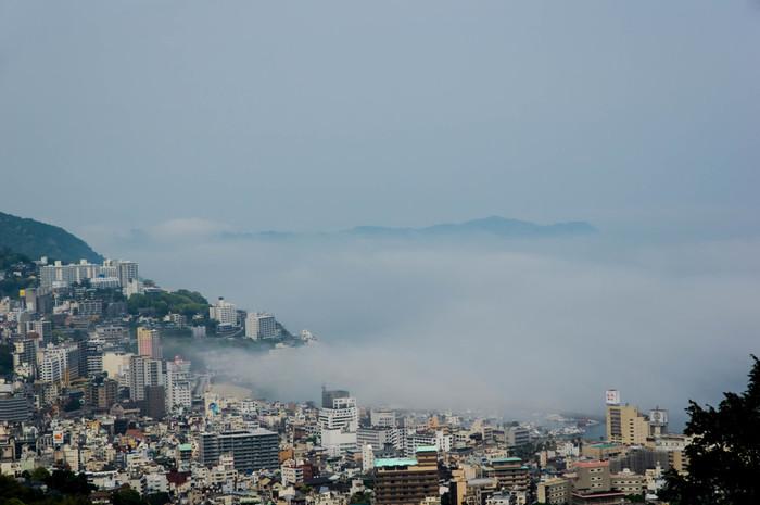 熱海温泉は静岡県熱海市にある温泉で、日本の三大温泉の一つとも言われています。