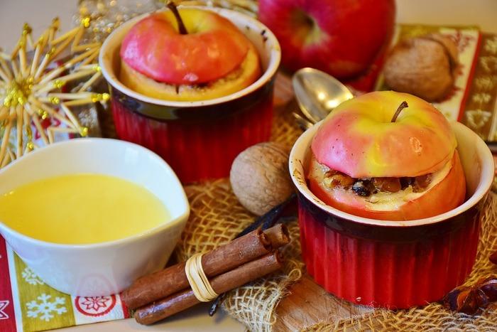 【りんごの皮には栄養がいっぱい!剥かずに美味しく焼きましょう。】
