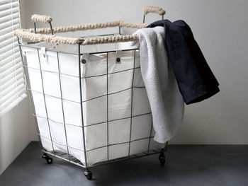 洗濯物などが丸見えになるのが気になるという方には、中身が見えないデザインの物がおすすめです。おしゃれなデザインなら、ランドリーで使用するのはもちろん、キッチンや子供部屋などにも合いそうですね☆