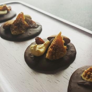 簡単なのに見栄えがするマンディアンチョコは、見た目が上品で大人っぽい。高級感が漂います。
