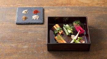 たとえば、写真の「ぬか漬け」もそのひとつ。他にも、伝統食の良さを感じられるメニューが盛りだくさん。