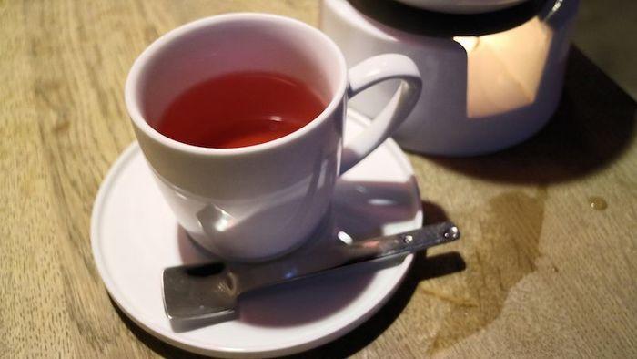 また、お茶選びに一番悩んでしまうかもしれませんが、中国茶の定番なら「東方美人」や「阿里山金萱」。さわやかな香りや甘みのあるものなど、飲みやすさを求めるならフルーツティーやハーブティーがおすすめです。ぜひ、お気に入りのお茶を見つけてみてくださいね。
