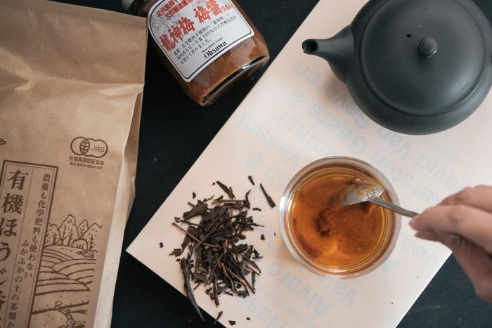 美味しい番茶も、たまにはアレンジして楽しんでみませんか?梅と生姜の香りの詰まった梅醤はマクロビオティック食品。爽やかな香りと深い味わいに。