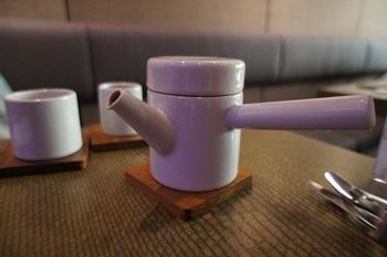 ちなみにお茶を淹れる急須、茶壺はオリジナルのもので、その美しいデザインが称えられて国際的な賞を受賞したそう。茶杯が茶壺にマトリョーシカのようにおさまったりと、見た目の美しさも味わってください。