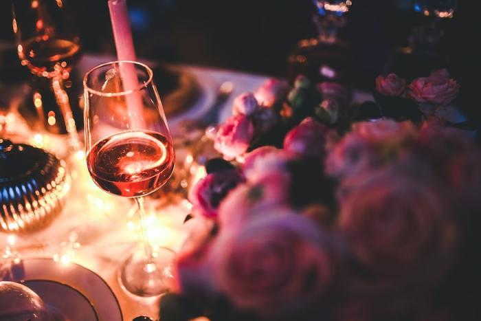 本来ワインとチョコレートはカカオの芳香が強すぎて組み合わせが難しいとされてきましたが、 甘口のデザートワインならチョコレートと好相性。 ローストされた香りを持つバルニュスとのマリアージュをぜひお試しあれ。