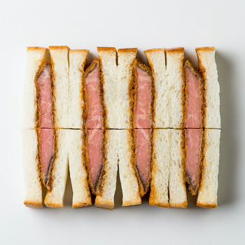 神戸の玄関口「新神戸」にも出店したNick。 ローストビーフカツサンドイッチは、旅の途中にパクッと食べやすくお土産にもぴったり。