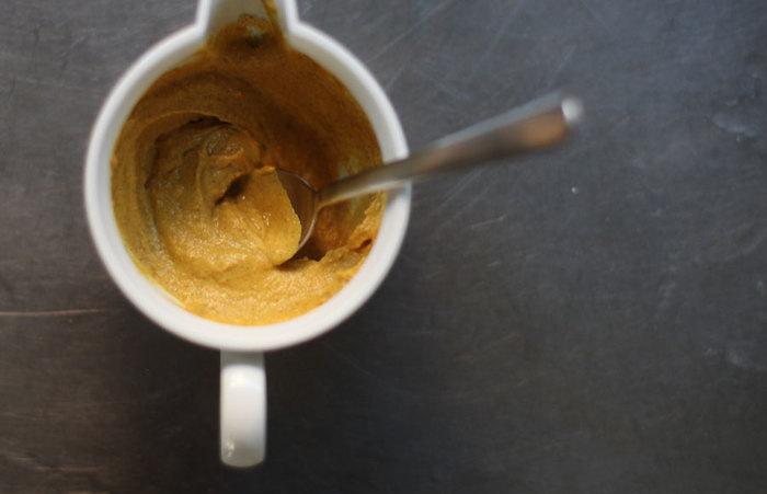 おでんと言えば、辛子。せっかくなので、辛子もこだわってみませんか?市販のチューブの和からしよりも、粉を練って作る粉からしは、一味違うツンとした辛みが特徴で、美味しいおでんがより美味しくなりそう。