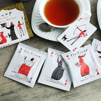 とっても可愛らしいトランプをモチーフにした紅茶ティーパック。こちらは4包入ったボックスです。
