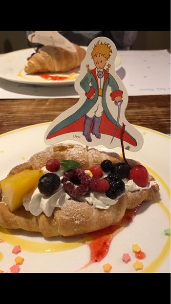 ミュージアム内にあるレストラン「ル・プチ・プランス 」では、メニューにも物語の世界観が表現されていて、お料理の名前を眺めているだけでも楽しいですよ♪