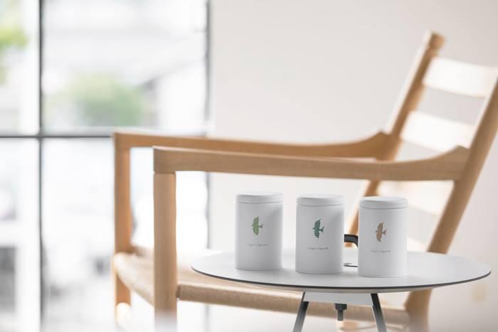 「茶屋すずわ」は1848年の寛永元年に創業した鈴和商店によって営まれています。160年以上にわたってお茶に携わり、人々とお茶を繋いできた老舗のお茶屋さんです。