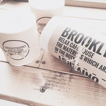 トイレットペーパー自体をカフェ風にデコレーションするのもおすすめ。隠さずに見せる!トイレインテリアの新解釈です。