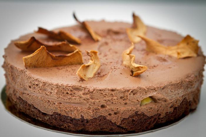りんごのケーキやカップケーキ、ドーナツ、はたまたりんごを丸々1個使った絶品まんぷくスイーツまで種類豊富にレシピをそろえました。