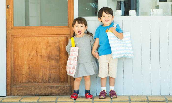 ちょっと不安な初めての幼稚園・小学校も、ママが作ってくれたバッグといっしょなら、きっと心強いはず。作り方も意外と簡単ですので、初心者さんにも大丈夫。ぜひ、お子さんの好きな生地で素敵な通園・通学・レッスンバッグを作ってあげてください。