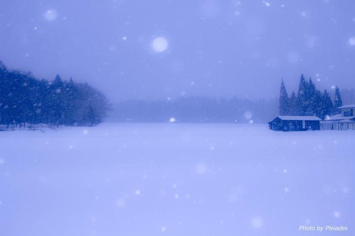 寒い冬はお家でゆっくりと過ごす事も多いですよね。そんな時に流したいBGMに、冬にぴったりのスウェーデンミュージックを選んでみてはいかがでしょうか?