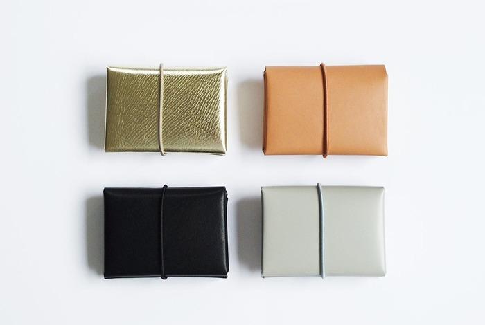 e55e61592bbc 心まで軽くなる。お気に入りの「二つ折り財布」で荷物をコンパクトに ...