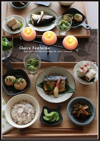 まぐろと長芋の湯葉巻きや金華サバの塩焼きなど、体にいいものがそろった、まごわやさしい定食。テーブルコーディネートもしっかり整え、心も豊かになる和食膳ですね。