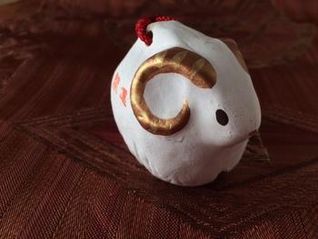 談山神社(奈良県桜井市)の羊土鈴・・・くるんとした巻き角が印象的な羊の土鈴。どんな音色なのか気になりますね!