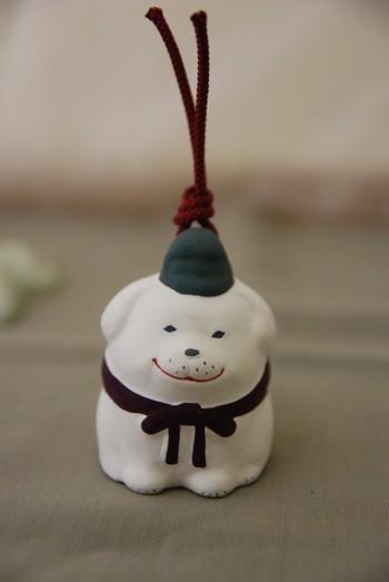 """「雪丸 犬の土鈴」・・・聖徳太子の賢い愛犬、土鈴の""""雪丸""""です。にこやかな表情が愛らしいですね。"""