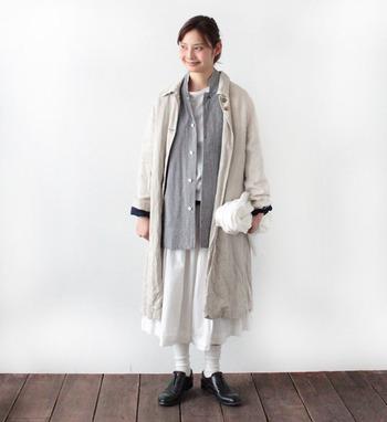 コットン製のジャケットは他のどんな素材とも相性が良く、秋冬は「ジャケットonアウター」もおしゃれにキマります。